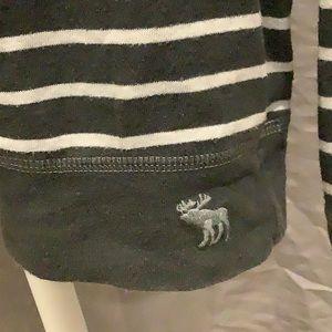 abercrombie kids Shirts & Tops - Abercrombie Kids Gray/White Stripe Shirt - Size L